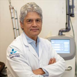 Dr. Francisco  López Armas, Ginecología