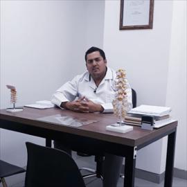 Dr. Kléber González, Neurocirugía