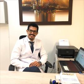 Dr. David   Zambrano  Moya , Otorrinolaringología