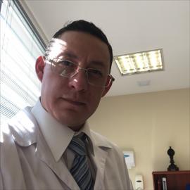 Dr. Ricardo Cortez, Medicina Interna
