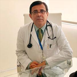 Dr. Stenio Cevallos, Medicina Crítica y Cuidados Intensivos