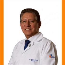 Dr. Cesar Guillén Astudillo, Pediatría