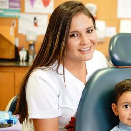 Dra. Ana Cabezas, Odontopediatría