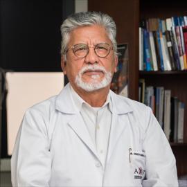 Dr. Cristobal Santacruz Tipanta, Nefrología