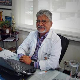 Dr. Cristobal Santacruz, Nefrología